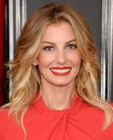 faith-hill-the-59th-grammy-awards-in-la-21217.jpg