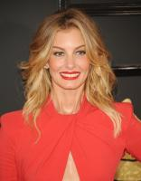 faith-hill-the-59th-grammy-awards-in-la-21217-4.jpg