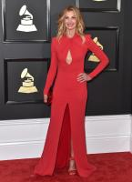 faith-hill-the-59th-grammy-awards-in-la-21217-6.jpg