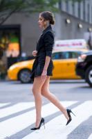 Olivia-Culpo-%E2%80%93-Leggy-Candids-in-New-York-a6px89riw4.jpg