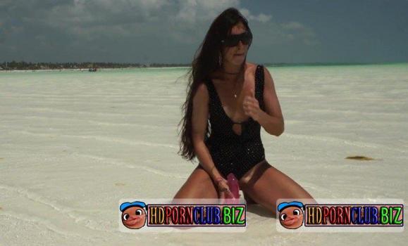 MilaFox.com/PornHub.com/PornHubPremium.com – Lisichka Mila – Public creampie in pussy on the beach [FullHD 1080p]