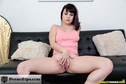 firsttimeauditions-18-06-14-nova-caine-naughty-nova.jpg