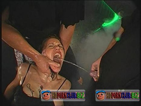 SexBox.com – Magdalena, Monja, Elli – Piss Spritz Perversionen [SD 480p]