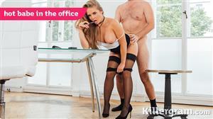 killergram-18-06-16-alessandra-jane-hot-babe-in-the-office.jpg