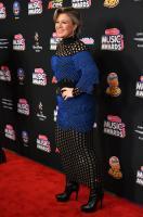 kelly-clarkson-2018-radio-disney-music-awards-in-hollywood-62218-1.jpg