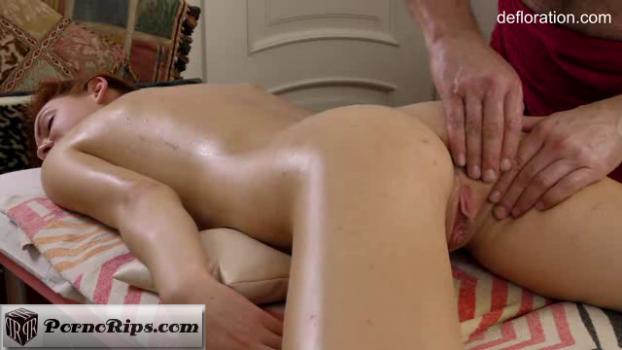 defloration-18-06-28-amy-ledenez-massage.png