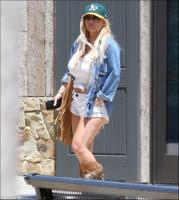 jessica-simpson-outs-and-about-candids-in-la-53118-1.jpg