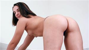 rodneymoore-18-06-27-sheena-ryder-on-her-knees.jpg