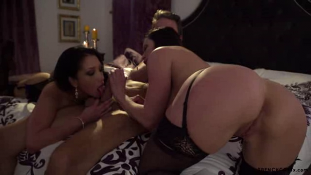 trenchcoatx-17-04-17-kendra-lust-and-vicki-chase-the-one-i-lust.png