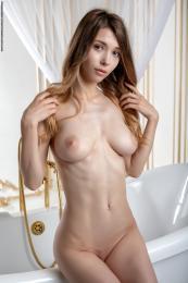 https://t20.pixhost.to/thumbs/423/74541620_39l.jpg