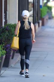 Reese Witherspoon - Hits The Gym Wearing Spandex For A Workout In LA 7/2/18)