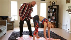 daddyslilangel-18-07-05-pepper-hart-yoga-with-daddy.jpg