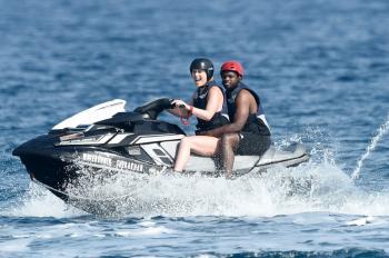 Lindsey Vonn having fun on a yacht in Sardinia 7/4/18