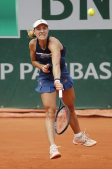 https://t20.pixhost.to/thumbs/51/72257956_angelique-kerber-during-the-french-open-tennis-tournament-2018-in-paris-04-06.jpg