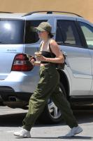 noah-cyrus-out-for-lunch-in-west-hollywood-6518-8.jpg