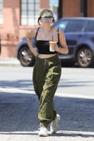 noah-cyrus-out-for-lunch-in-west-hollywood-6518-9.jpg